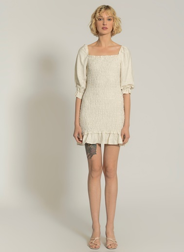 NGSTYLE Eteği Fırfırlı Gipeli Elbise Ten